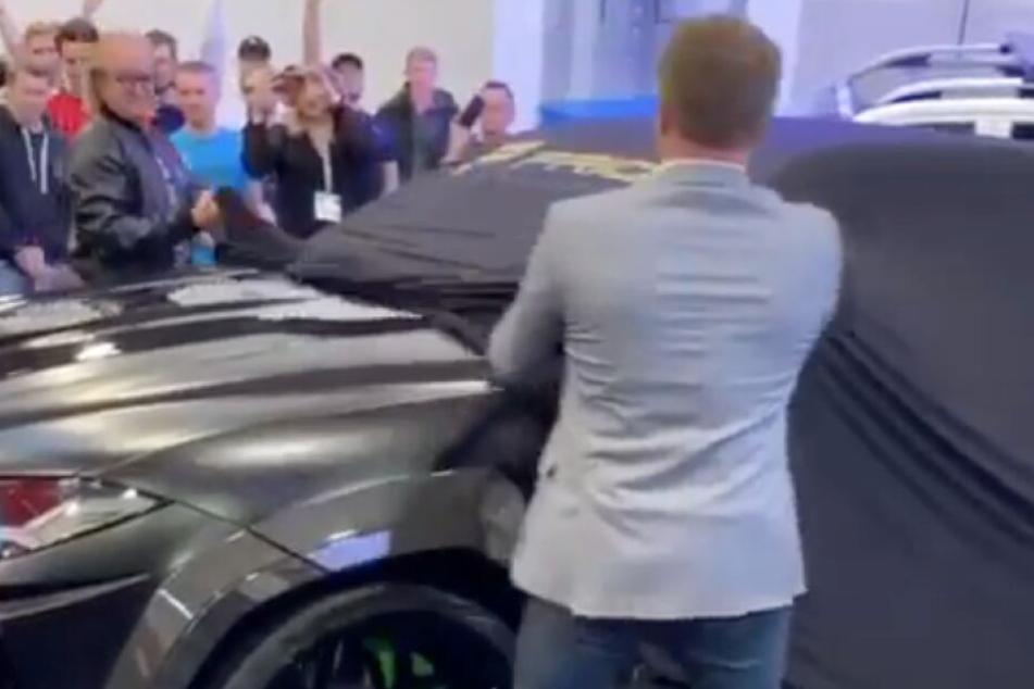 In Essen stellte Robert Geiss am Freitag seinen Lamborghini Urus vor.