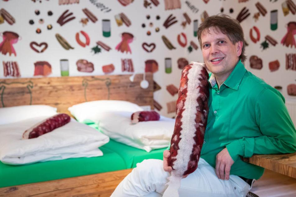 Metzgermeister Claus Böbel will mit seinem Hotel ein besonderes Erlebnis bieten.