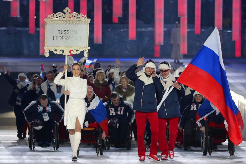 Die russische Mannschaft bei der Eröffnungsfeier der XXI Paralympischen Spiele in Sotschi.