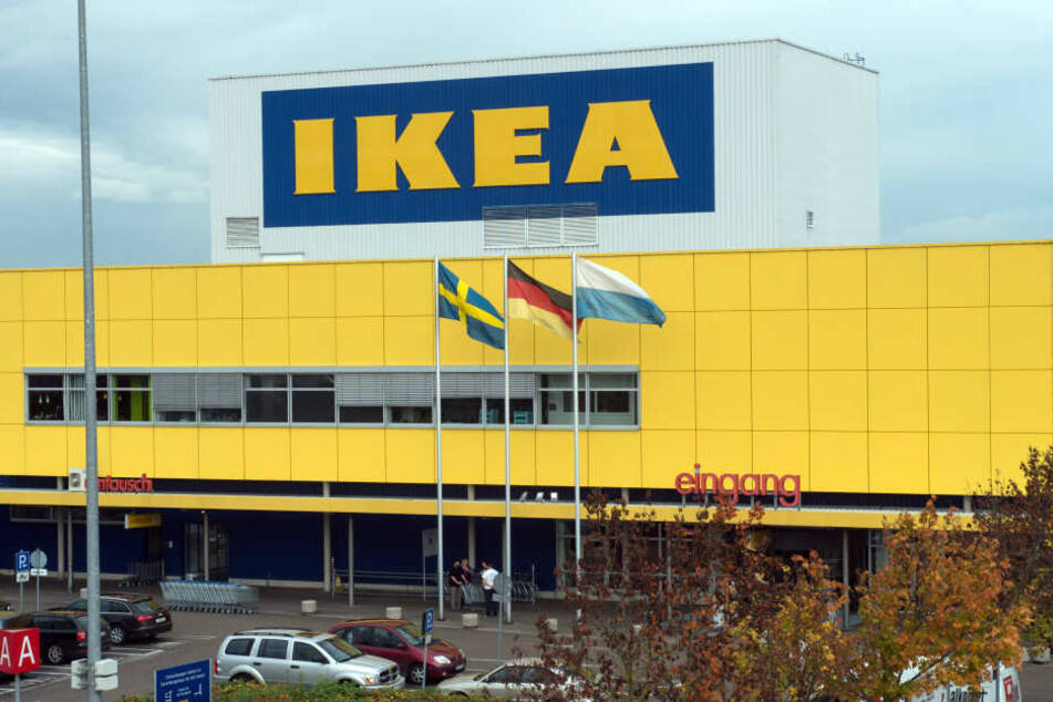 Ikea in England nahm jetzt mehrere Kunden bei sich auf. (Archivbild)