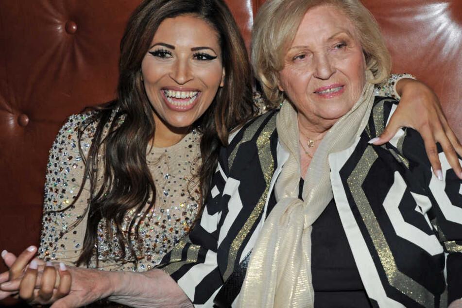Patricia Blanco und ihre Mutter Mireille (r) auf einer Party in München. Im Frühling 2016 war die Welt noch in Ordnung.