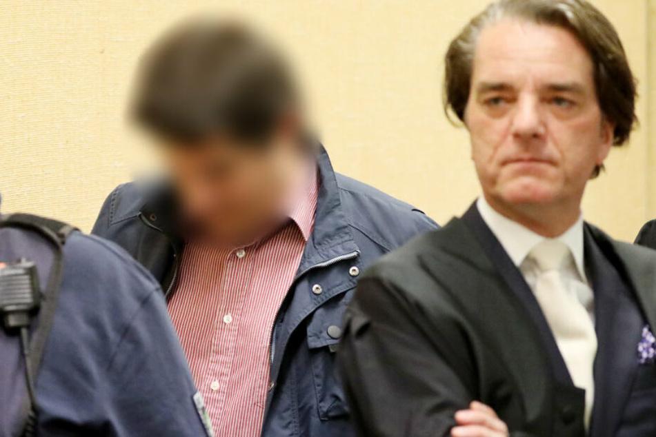 Der Mitangeklagte Christian W. (l.) legte am ersten Prozesstag ein Geständnis ab.