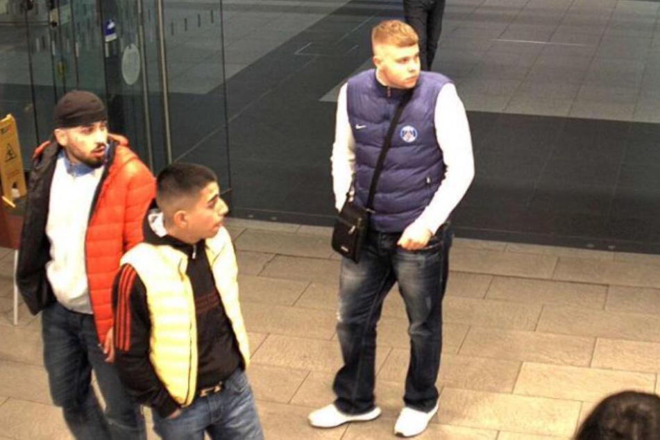 Wer kennt diese drei jungen Bahnhof-Schläger?