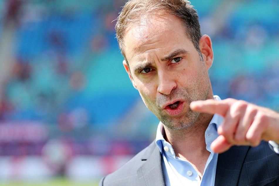 RB-Leipzig-Geschäftsführer Oliver Mintzlaff (42) sieht im Gegensatz zum FC Bayern München noch einige Defizite bei seiner Mannschaft.
