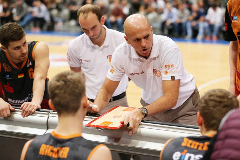 Niners-CoachRodrigo Pastore schwört seine Mannschaft auf den dritten Heimerfolg in Serie ein.
