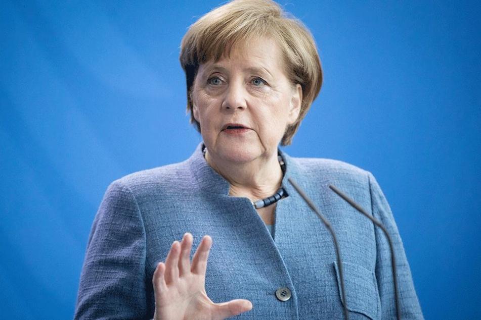 Angela Merkel (63, CDU) erntet Kritk von Tafel-Bundesvorstand.