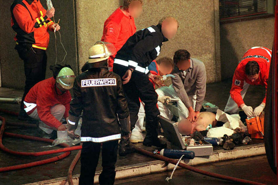 Trotz Reanimationsversuchen verstarb ein 58-jähriger Autofahrer am Mittwoch nach einem Unfall auf der A38 (Symbolbild).
