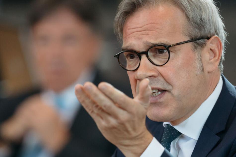 Innenminister Maier sicher: Extremismus ist größte Gefahr für Demokratie