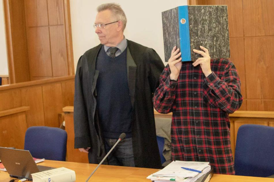 Der 30-Jährige wurde wegen versuchten Totschlags vom Landgericht Oldenburg schuldig gesprochen.