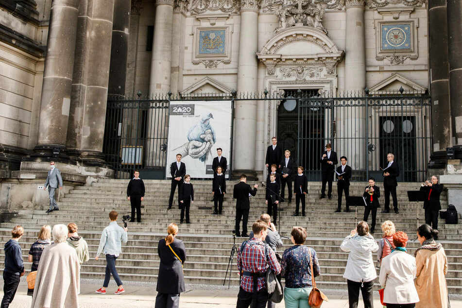 Sexismus beim Staats- und Domchor Berlin? Mädchen darf nicht mitsingen