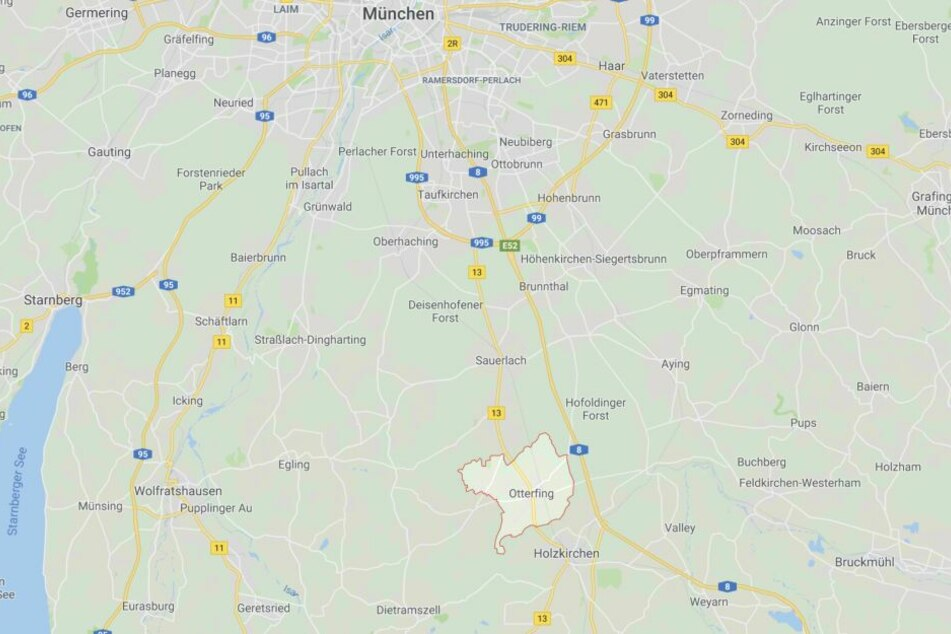 Das Baby wurde auf einer öffentlichen Toilette in Otterfing, südlich von München geboren.