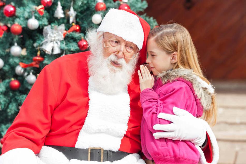 Weihnachtsmann-Notstand in Chemnitz. Der Rauschebart kann dieses Jahr nur wenige Kinder beschenken.