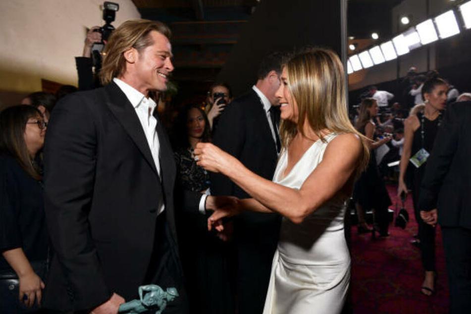 Turtelnd erwischt: Jennifer Aniston und Brad Pitt bei den SAG-Awards