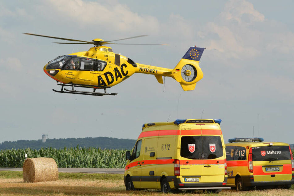 Der Fahrer war sofort tot, seine Sozia wurde schwer verletzt.
