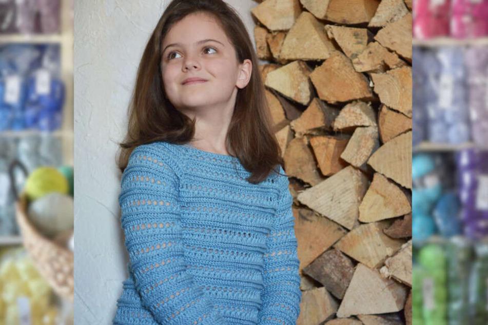 Tochter Milina (7) modelt für den Online-Shop und zeigt, wie vielfältig Häkel-Mode sein kann.