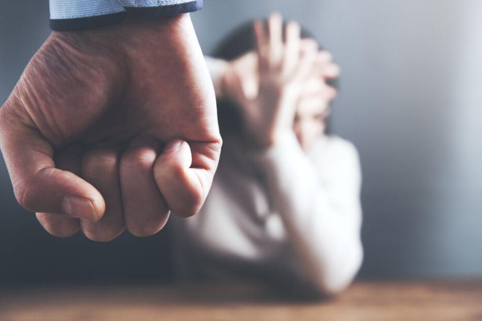 Warum der 21-Jährige seine ehemalige Lebensgefährtin bedrohte, ist nicht bekannt. (Symboldbild)