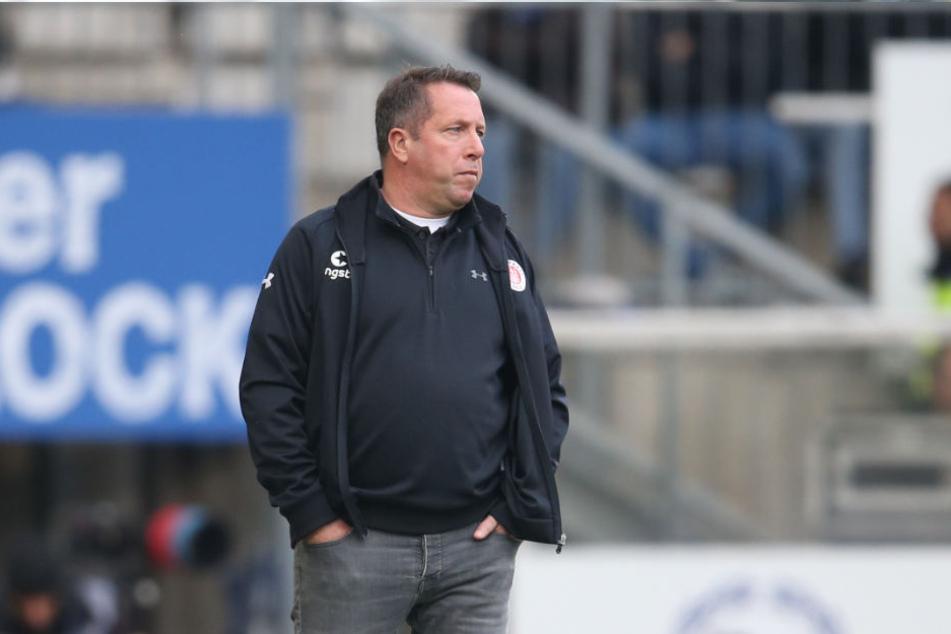 Trainer Markus Kauczinski steht mit dem FC St. Pauli nach zwölf Spieltagen auf Platz 2 der Tabelle in der 2. Fußball-Bundesliga (Archivbild).