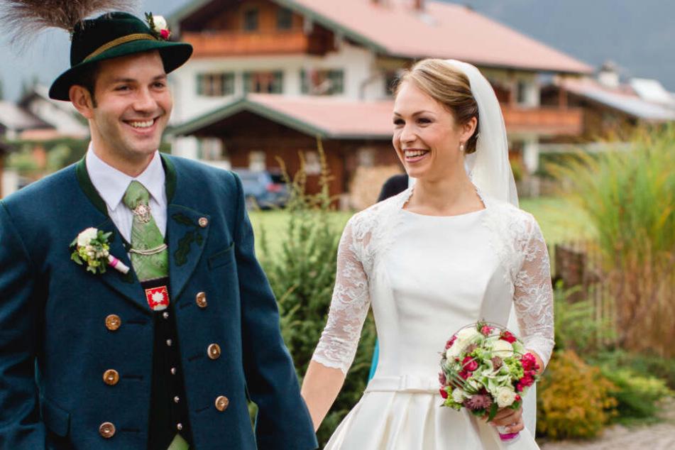 Magdalena Neuner und ihr Mann Josef Holzer bei der kirchlichen Hochzeit im Jahr 2015.