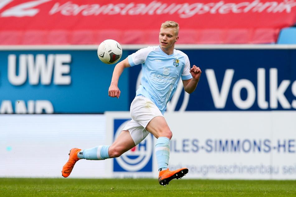 Max Roscher (17) nutzte die letzten Monate und machte auf sich aufmerksam, sein Lohn: Ein Vertrag bei den Profis.