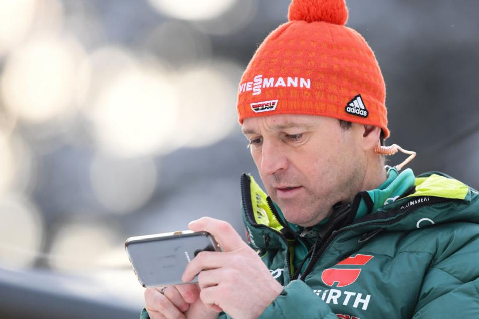 Für Richard Freitag gab es in Willingen nur Platz 28. Sein Coach Werner Schuster bleibt vor Olympia trotzdem gelassen.