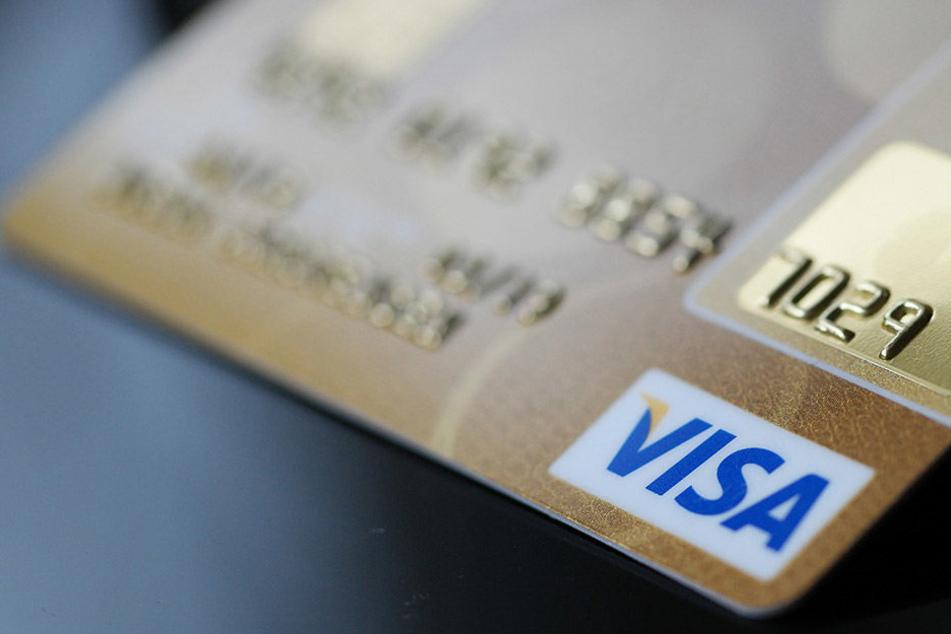 Wer bei Aldi mit Kreditkarte zahlte, bekam größere Beträge als erwartet abgebucht.