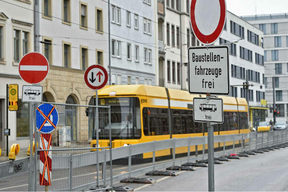 Trotz - oder gerade wegen - so vieler Schilder fahren immer wieder Autos verbotenerweise in Richtung City.