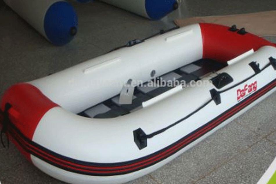 """Dieses Foto der Firma """"Damayacht"""", die auf der Handelsplattform """"Alibaba"""" ihre Ware anbietet, zeigt eines der Boote, welches als """"rescue refugee boat"""" angeboten wird."""