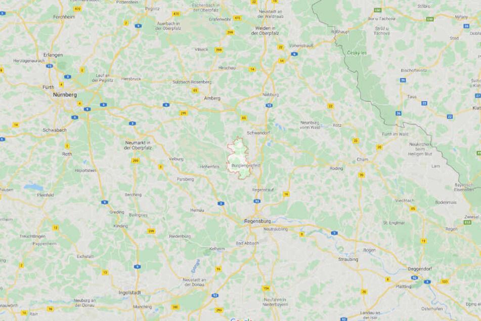 Die Leiche wurde auf einem Speditionsgelände in Burglengenfeld entdeckt.