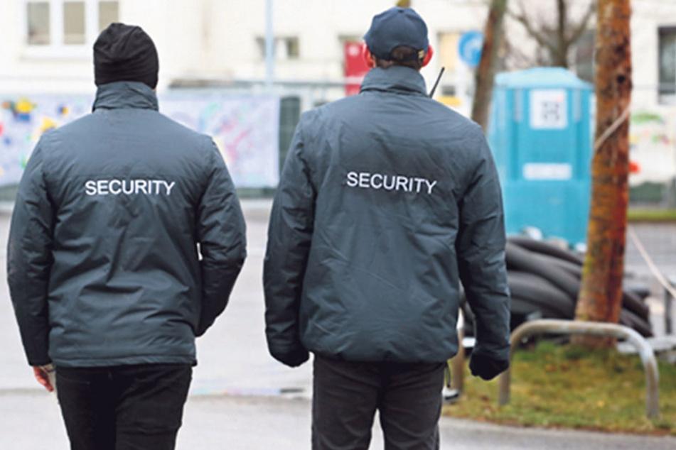 Zollfahnder nahmen zwei führende Mitarbeiter eines Wachdienstes fest