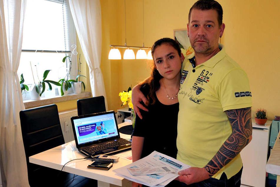 Papa Ronny Braunstein versuchte Vivien vom Telefon aus zu helfen, rief am  Ende die Bundespolizei.