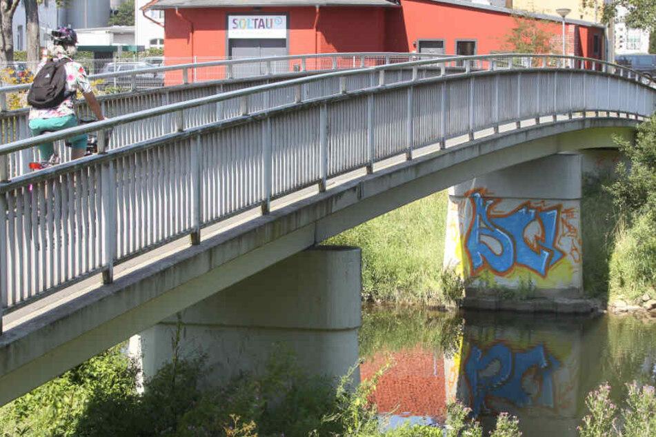Über diese Brücke kommt Ihr die nächsten Wochen nicht mehr.