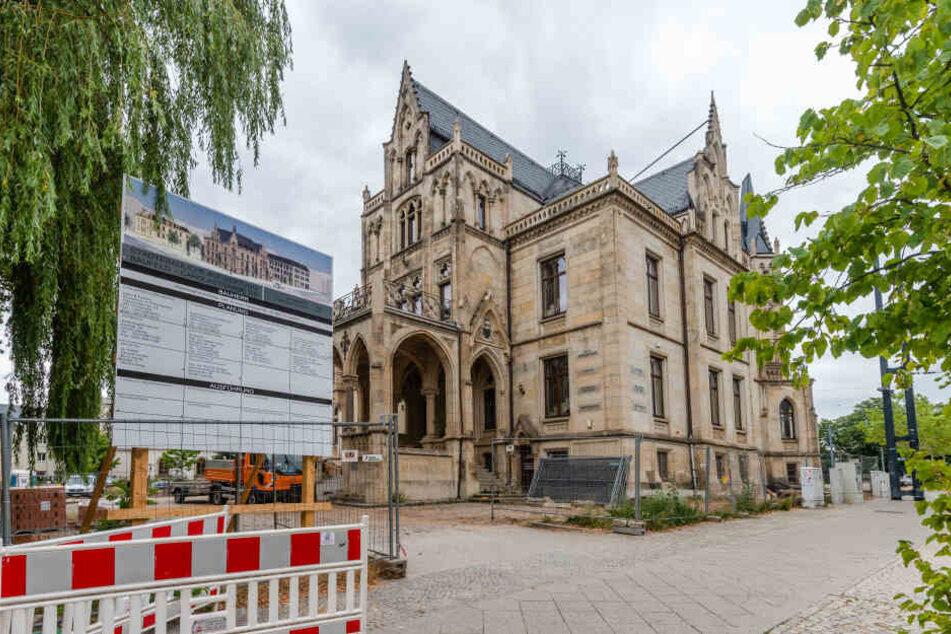 Aus Alt wird Neu: Die Villa Zimmermann an der Carolastraße wird umfassend saniert.