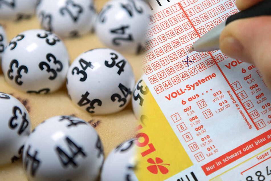 Nächster Lotto-Millionär! Sachse darf sich über dickes Urlaubsgeld freuen