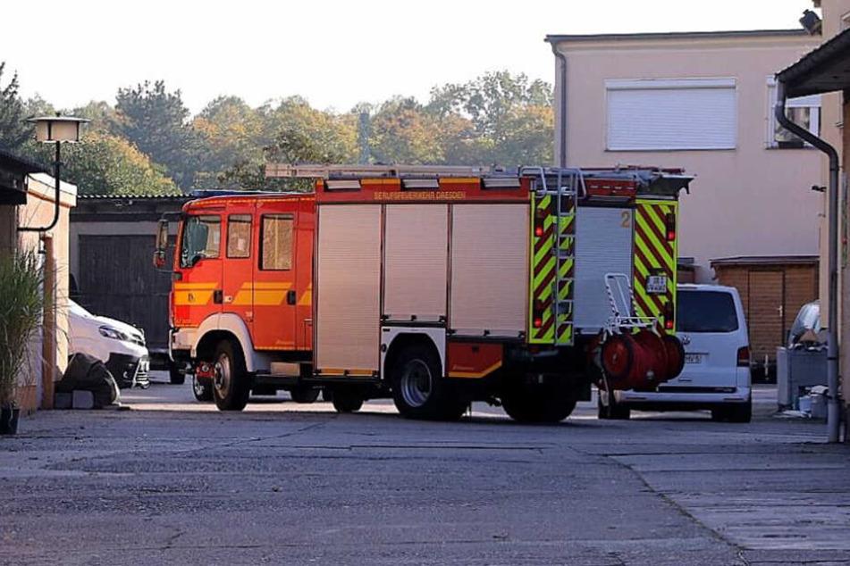 Dresden: Verpuffung in Mickten: Feuerwehr auf Firmengelände im Einsatz
