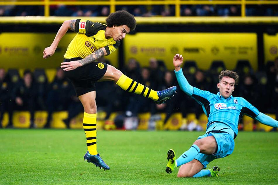Dortmunds Spielgestalter Axel Witsel (l.) versuchte es mehrfach aus der Distanz, zielte aber jeweils zu hoch.