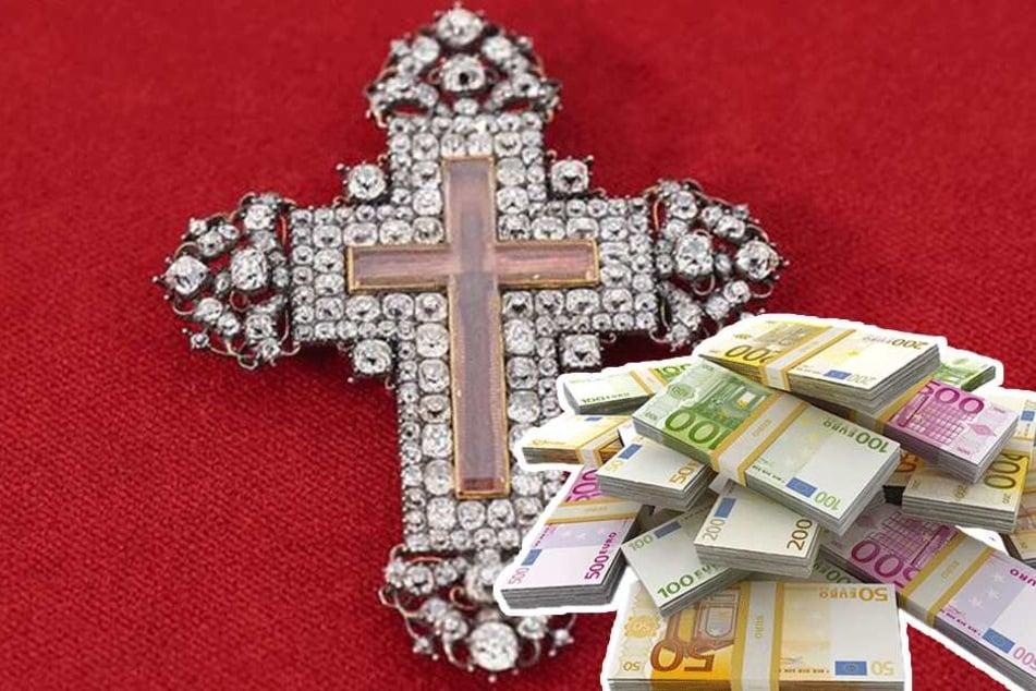 """Betrug bei """"Bares für Rares""""? War das Kreuz viel mehr wert als 42.000 Euro?"""