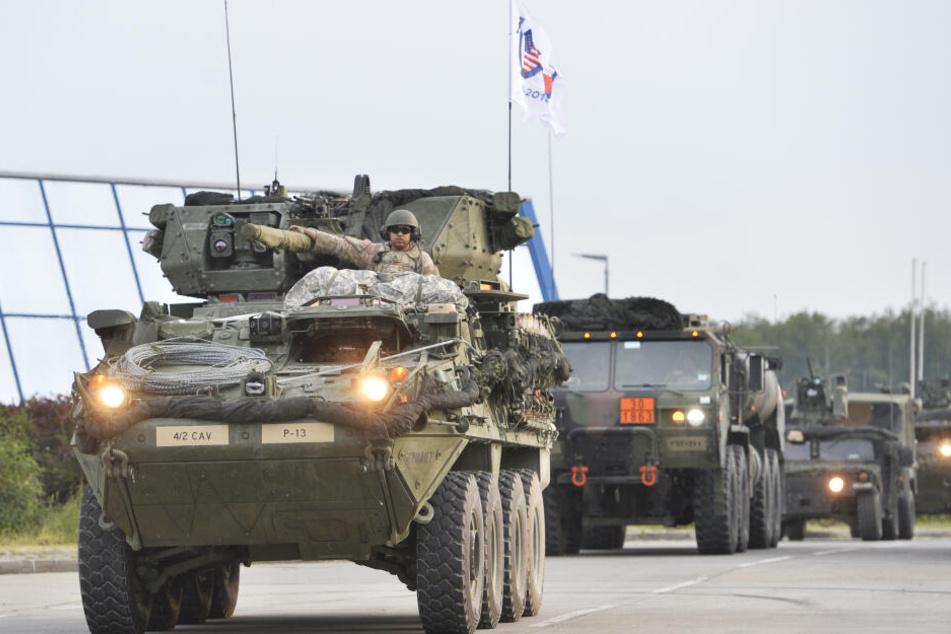 2018 war dieser Militärkonvoi auf dem Weg zum Saber Srike 2018 in Polen. (Archivbild)