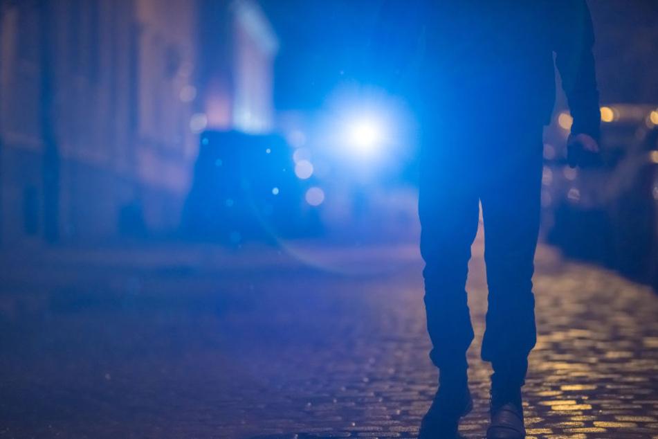 Ein Zeuge bemerkte den Schein der Handy-Taschenlampe. (Symbolbild)