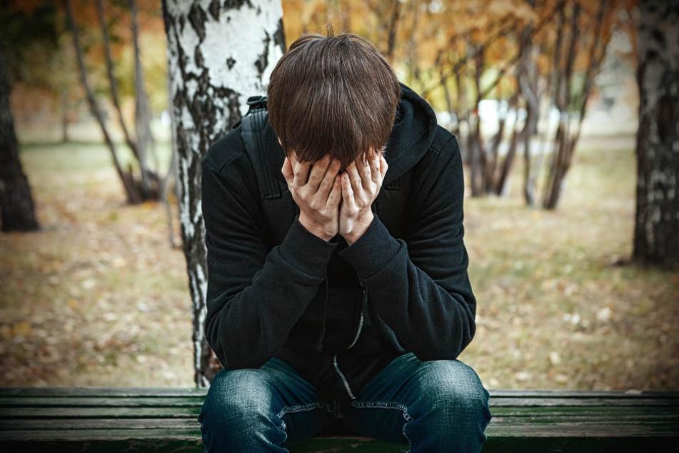 Depressive Verstimmungen lassen sich auf einen Melatoninüberschuss und einen Vitamin D Mangel an kalten Tagen in Herbst und Winter zurückführen.