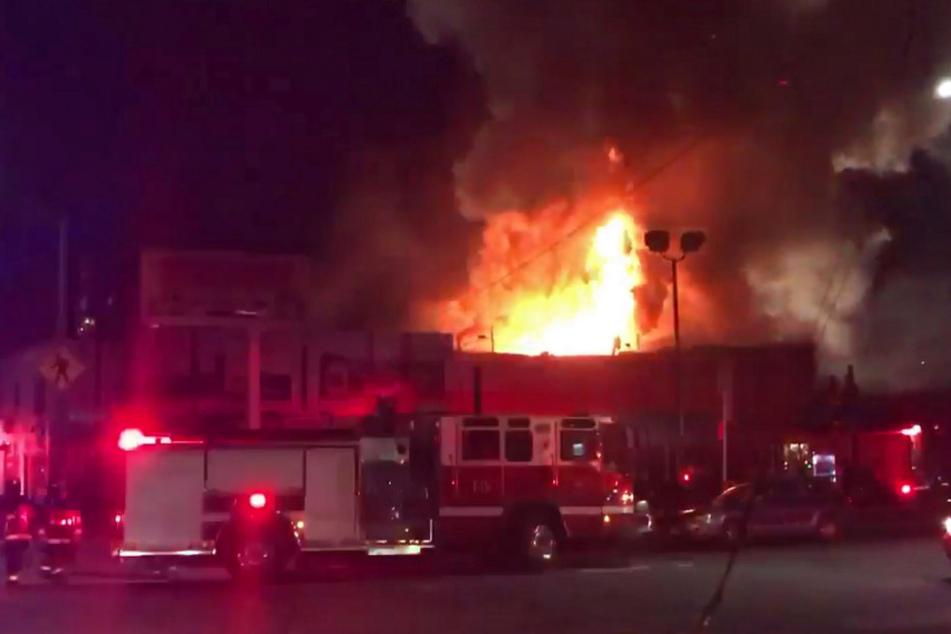 Auf einer illegalen Rave-Party in Oakland brach ein Feuer aus - neun Menschen kamen ums Leben.