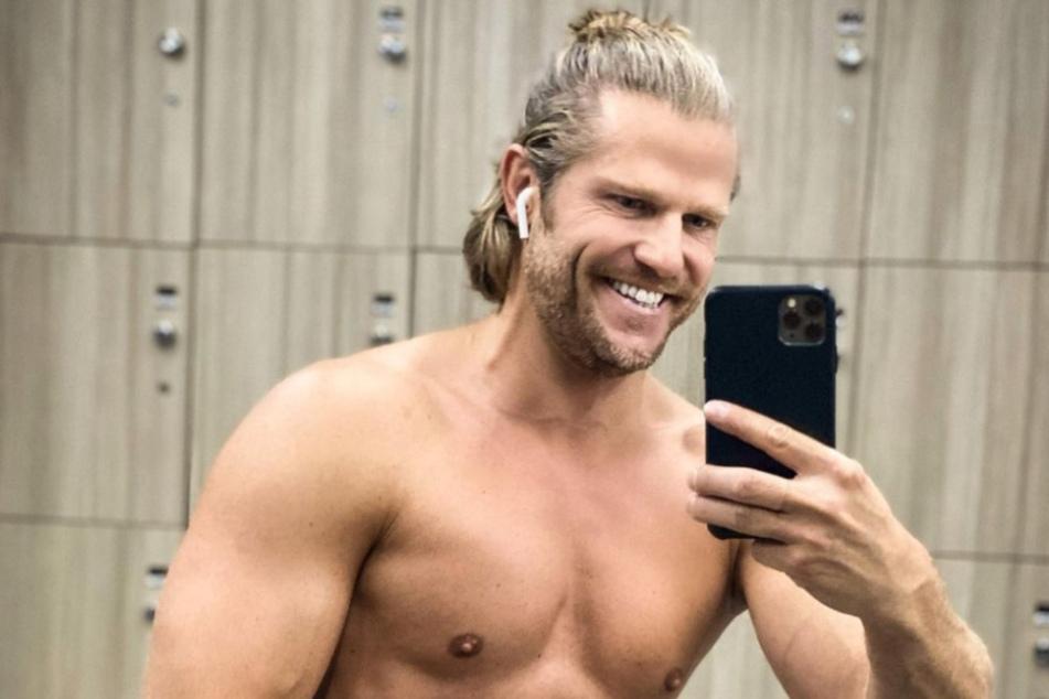 Heiße Aussichten! Ur-Bachelor Paul Janke posiert nackt auf Balkon