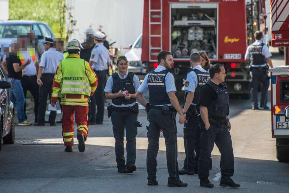 Polizei und Feuerwehr vor Ort in Filderstadt.