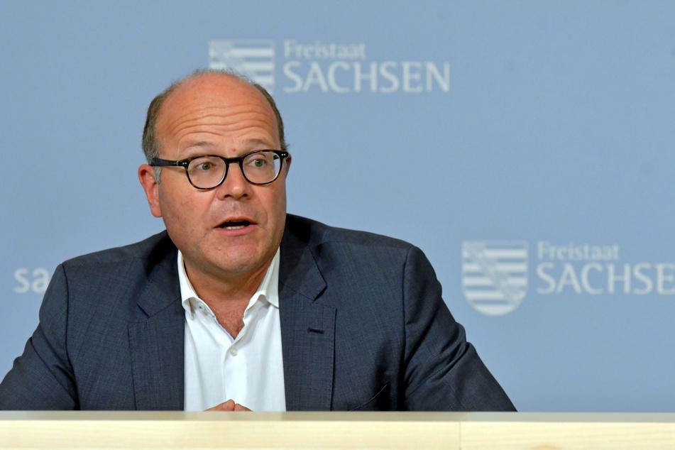 Staatskanzlei-Chef Oliver Schenk (53, CDU) stellte am Dienstag die geplante 2G-Option für Sachsen vor.