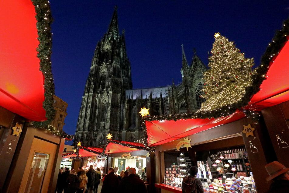 Der Weihnachtsmarkt am Kölner Dom soll dieses Jahr wegen Corona ausfallen.