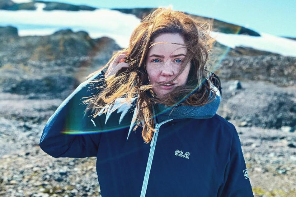 GZSZ-Star Olivia Marei (30) verbringt ihren Urlaub mit Mann und Kind auf Island.