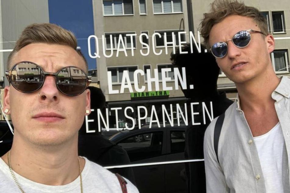 """Mit Tommi Schmitt betreibt er seit September 2017 einen eigenen Podcast, namens """"Gemischtes Hack""""."""