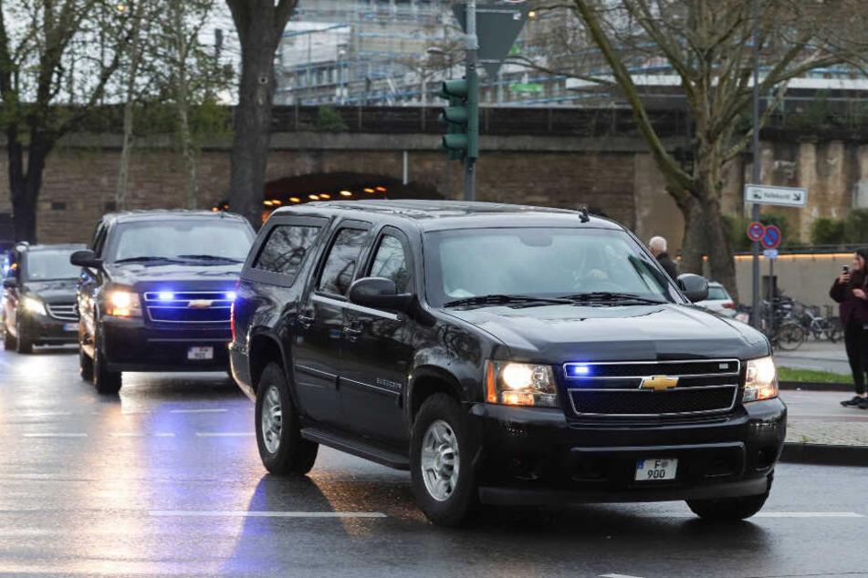 Barack Obama mit großer Fahrzeug-Kolonne unterwegs in Köln.