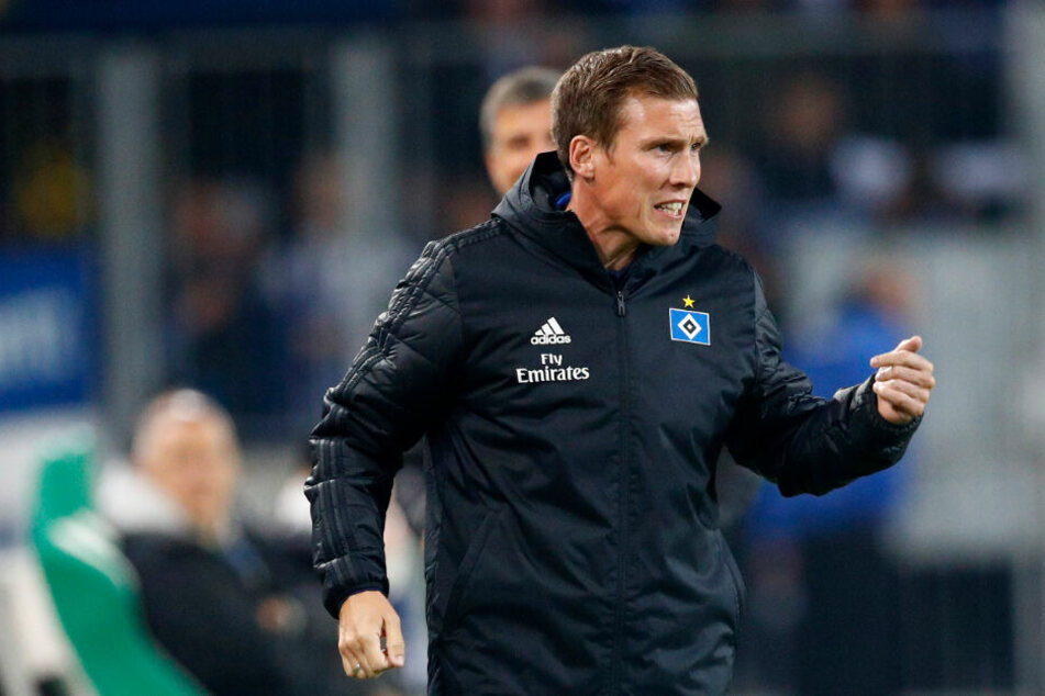 HSV-Trainer Hannes Wolf stellt seine Mannschaft gegen Regensburg um.