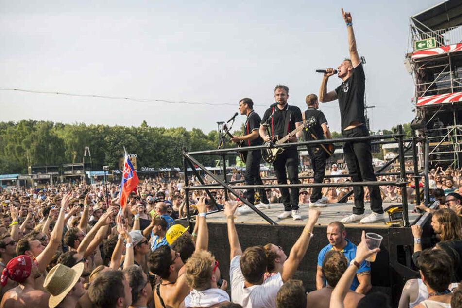 Kraftklub rocken den Festival-Sommer. Sei dabei!