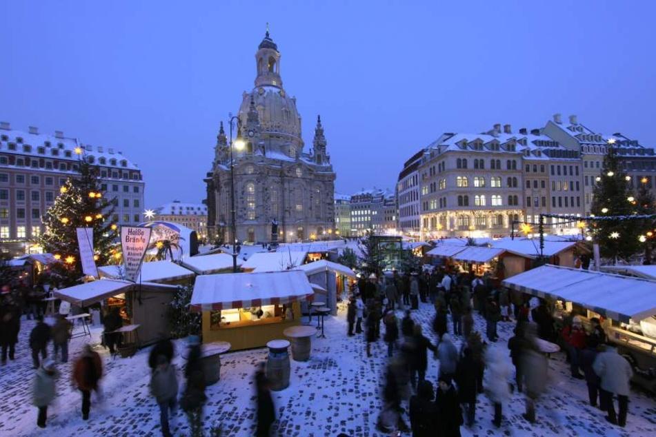 """Nachdem der """"Advent auf dem Neumarkt"""" abgebaut ist, soll vom 27.12. bis 9.1. ein neuer Wintermarkt öffnen."""